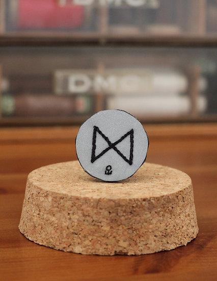 Broche rune nordique Dagaz