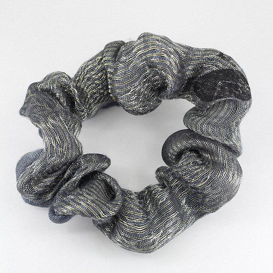 Chouchou en soie grise rayée