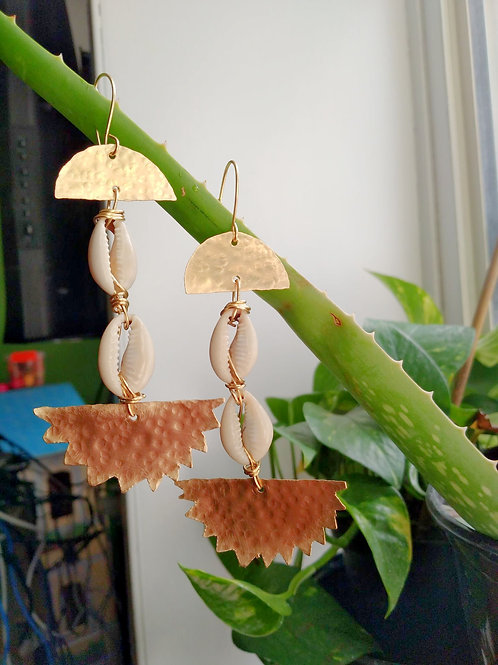 Double Blessing Cowrieshells Brass Earrings 3
