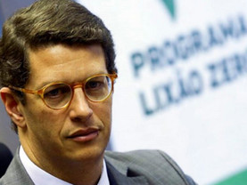 MINISTRO RICARDO SALLES SEPULTA DE VEZ A POLÍTICA DE RESÍDUOS SÓLIDOS