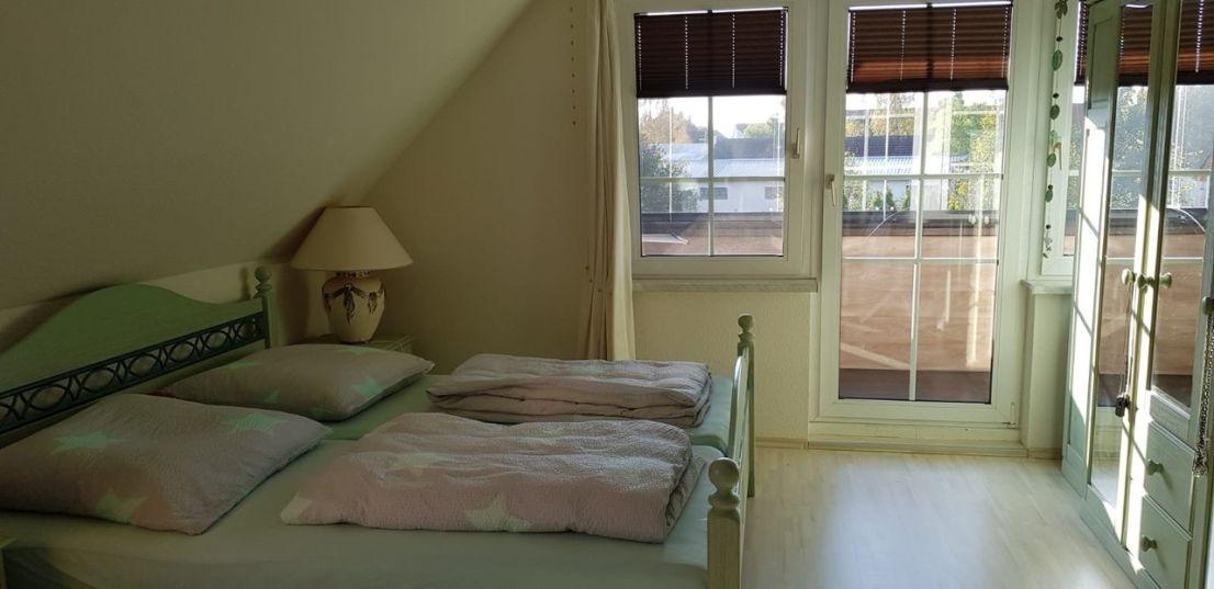 5560 Schlafzimmer mit Loggia 13