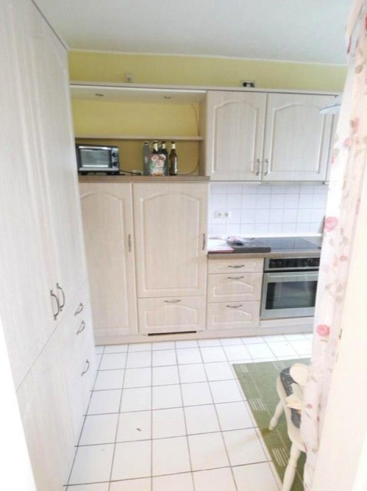 5670 Küche mit Einbauküche