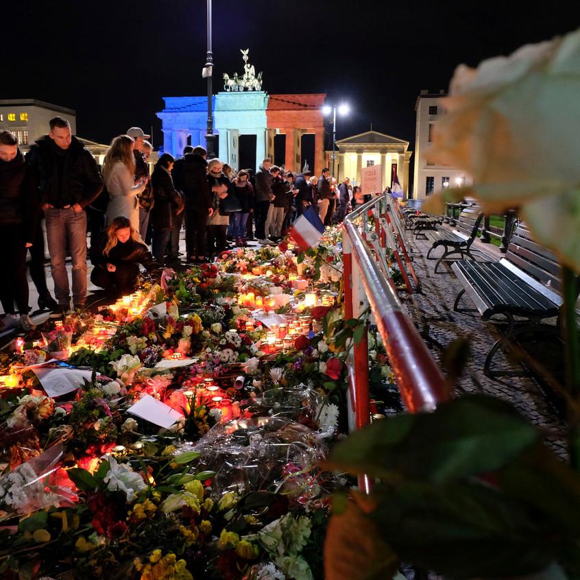 Trauer nach Attentaten in Paris
