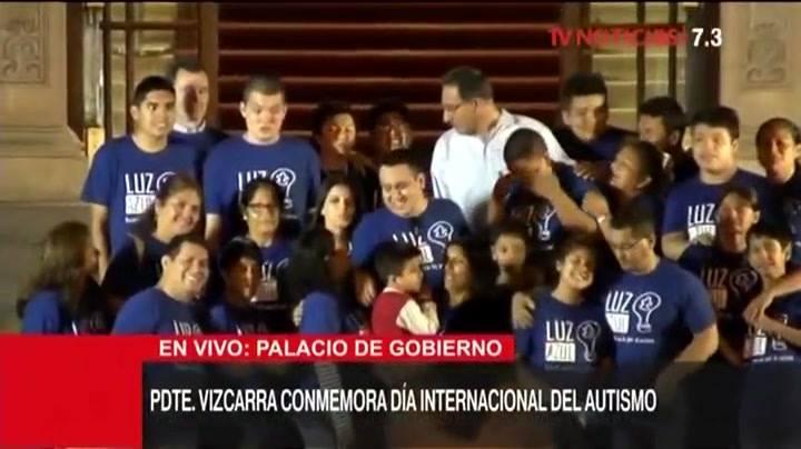 Logros de todos, juntos: canal del Estado trasmite a todo el Perú, en vivo, la ceremonia de concientización del #Autismo, desde Palacio de Gobierno, con el Presidente de la República. El mensaje llegando a millones de peruanos, maravilla pura. Todo s