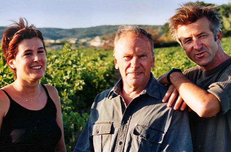 Claudie et Bertrand Cortelloni et entre les deux, Jean louis Trintignant. C'est une photo de mille neufs cents quatre-vingt dix sept.