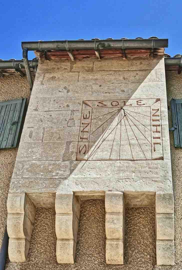 Cadran solaire - Mourgues du Grès - Beaucaire