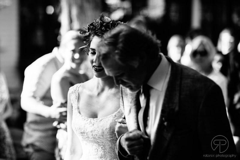 camp-wandawega-wedding-ceremony-outdoor-rustic-chicago-wedding-photographer-rotarski-photography
