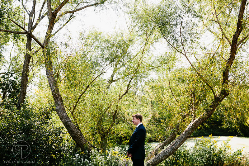 first-look-groom-waiting-nature-forest-preserve-chicago-documentary-wedding-photography-rotarski