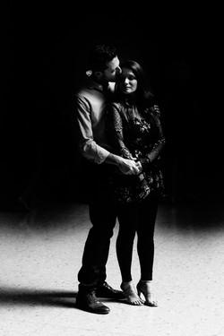 art-institute-museum-dark-intimate-engagement-photography-wedding-chicago-fine-art-photojournalism-r