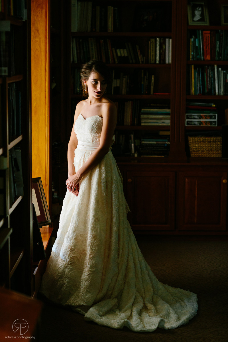 bride-nostalgic-dark-moody-portrait-documentary-wedding-photographer-chicago