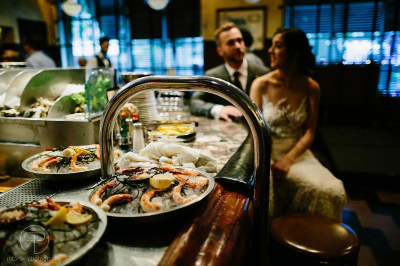 restaurant-river-north-chicago-photography-documentary-chicago-wedding-photographer-rotarski-photography
