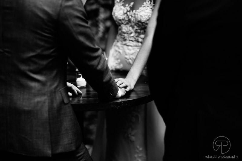 ivy-room-outdoor-ceremony-intimate-venue-documentary-wedding-photographer-chicago-rotarski-photography