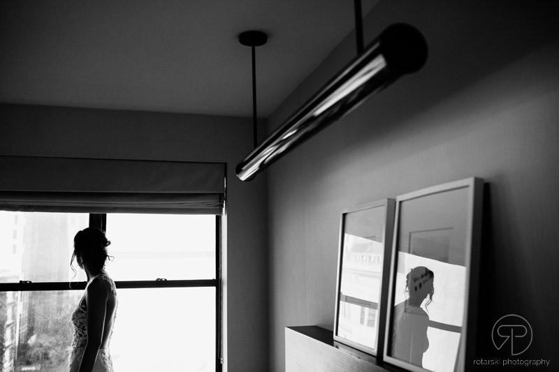bride-portrait-getting-ready-james-hotel-chicago-documentary-wedding-photographer-rotarski-photography