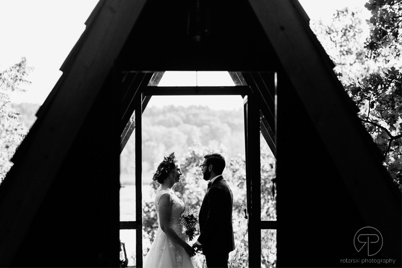 camp-wandawega-artistic-dramatic-light-photography-chicago-documentary-wedding-photographer-rotarski