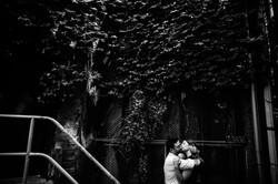 pilsen-bridgeport-alley-cool-modern-embrace-urban-engagement-photography-wedding-chicago-fine-art-ph