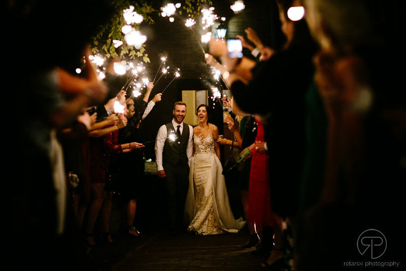sparkler-entrance-outdoor-reception-night-ivy-room-intimate-venue-documentary-chicago-wedding-photographer-rotarski-photography