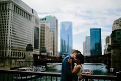 couple embrace bridge chicago