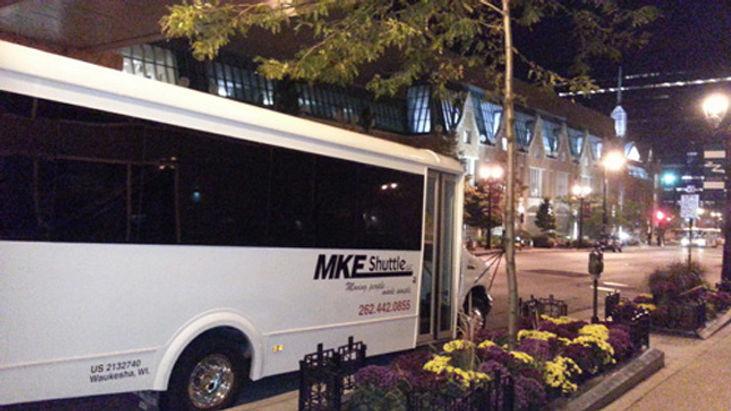 Milwaukee Shuttle Bus Rental, Packer Brewer Shuttle