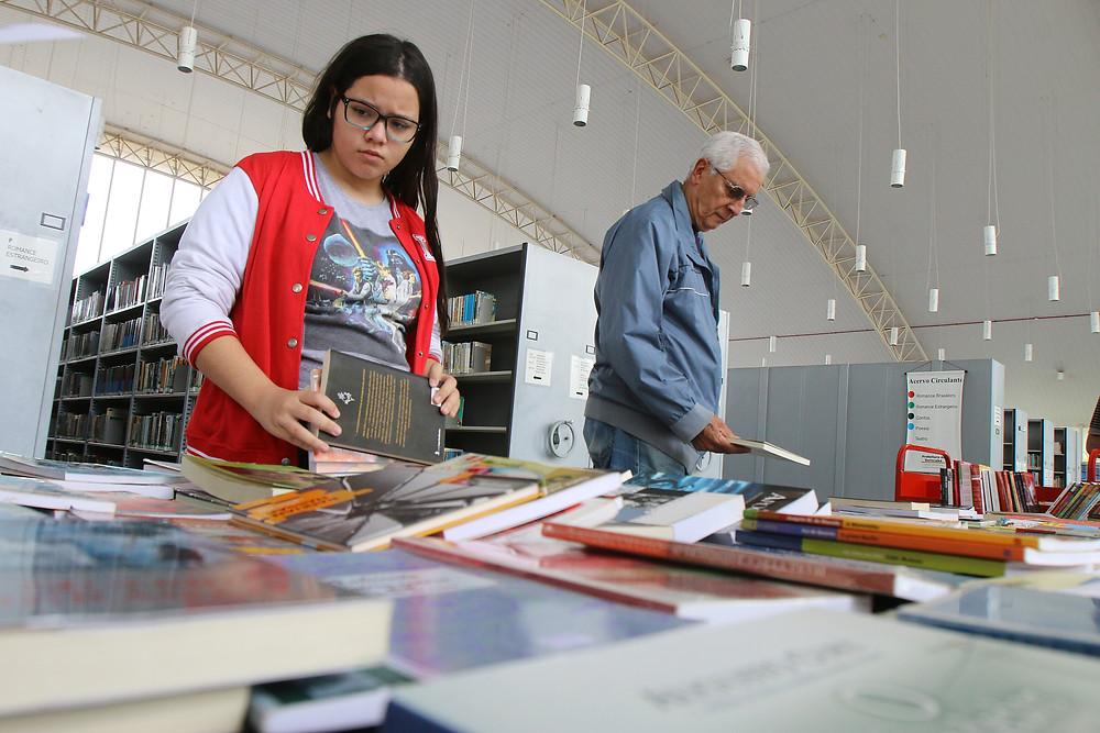 Durante a atividade, as pessoas que quiserem poderão trocar exemplares particulares entre si. Foto: Assis Cavalcante