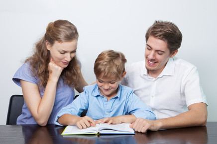 Pais não devem terceirizar para a escola funções de sua responsabilidade, alerta especialista