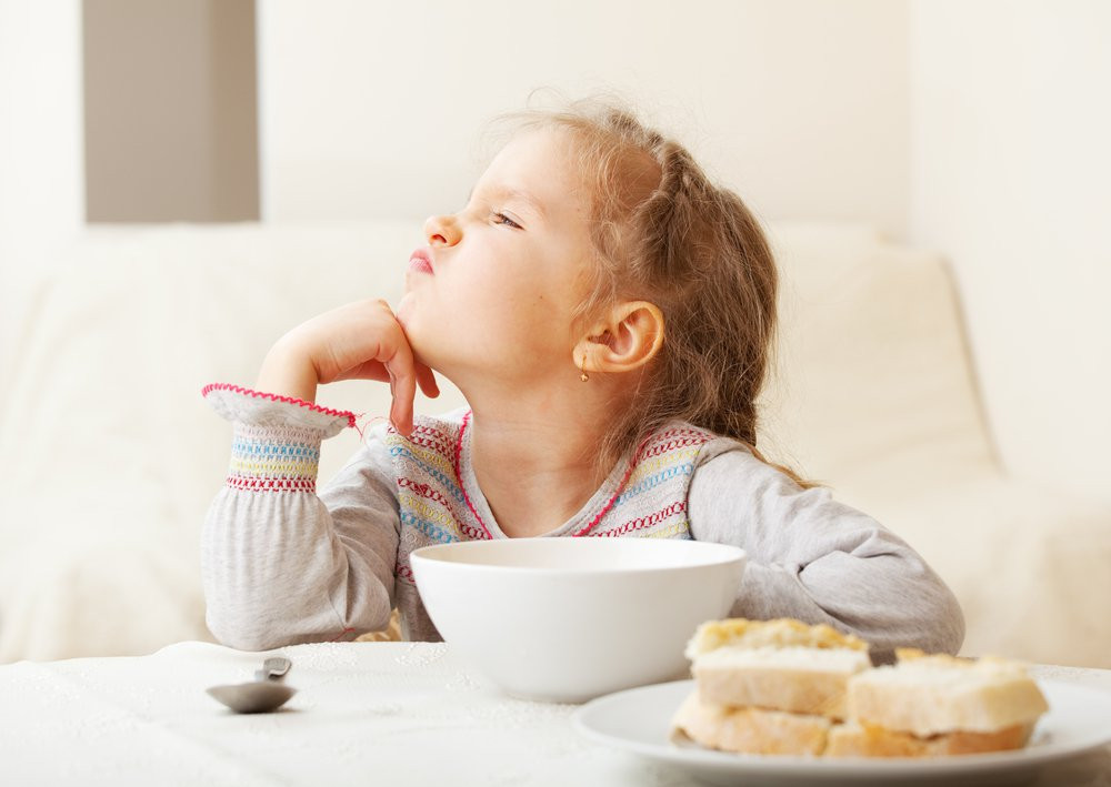 Refeição mais importante do dia é também a mais ignorada pelos pequenos. (Foto: Shutterstock)
