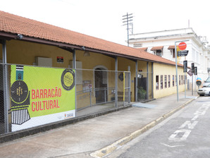"""Espetáculo infantil """"As Três Porcesas"""" será encenado no Barracão Cultural"""