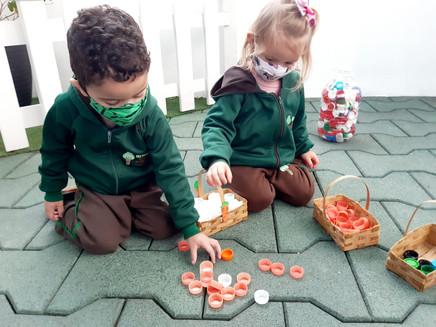 Green Kids arrecada tampinhas plásticas na Vila Leopoldina