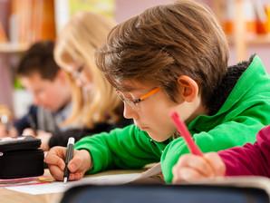 Educação é instrumento para afastar jovens da trajetória de crimes, mostra Ipea