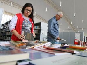 Sexta tem troca de livros na Biblioteca Municipal
