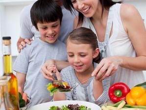 Estudo aponta alface, espinafre e cenoura como os alimentos mais detestados por crianças de até seis
