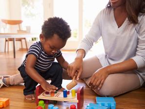 Aprender brincando: descubra quais atividades estimulam o desenvolvimento cognitivo dos pequenos