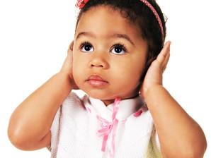 Saiba quais são as causas da perda auditiva na infância