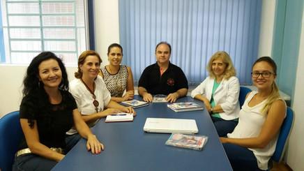 Prefeitos do interior de São Paulo conhecem o Programa Escolas do Bem