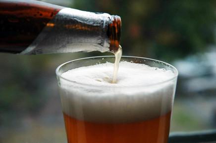 Sociedade de Pediatria lança guia para estimular a prevenção ao consumo de álcool entre os adolescen