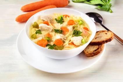 sopa macarrão com legumes