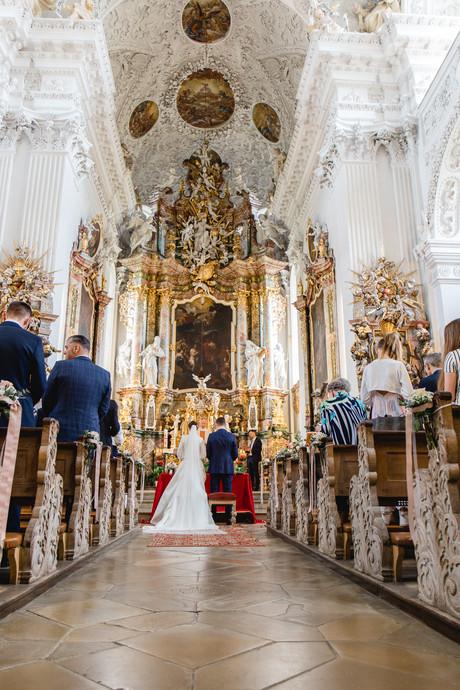 Kirchliche Trauung Augsburg, Kloster Holzen, @Christina Klass Fotografie