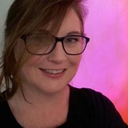 Larisse Hal Artist Profile Image