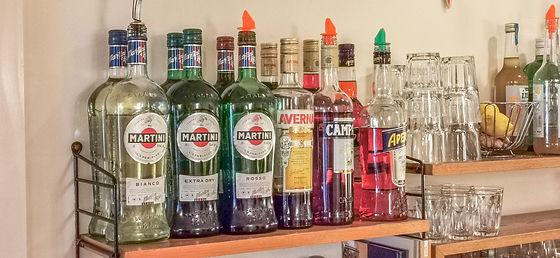 Regal Getränkeflaschen.jpg
