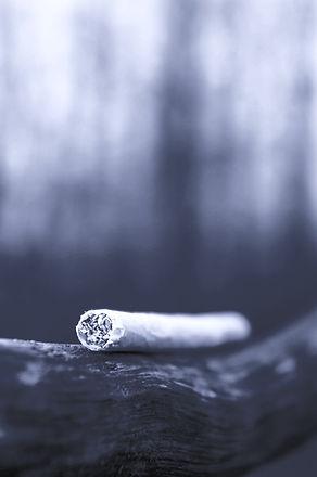 cigarette-4981078_edited_edited.jpg