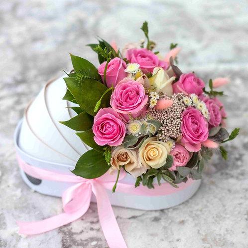 Розовая коляска с цветами