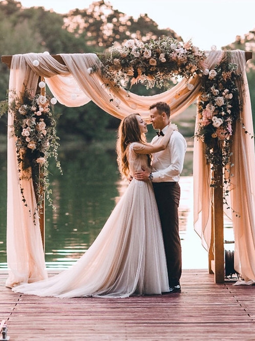 Цветочная арка на церемонию бракосочетания