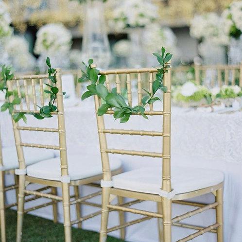 Декор стульев зеленью