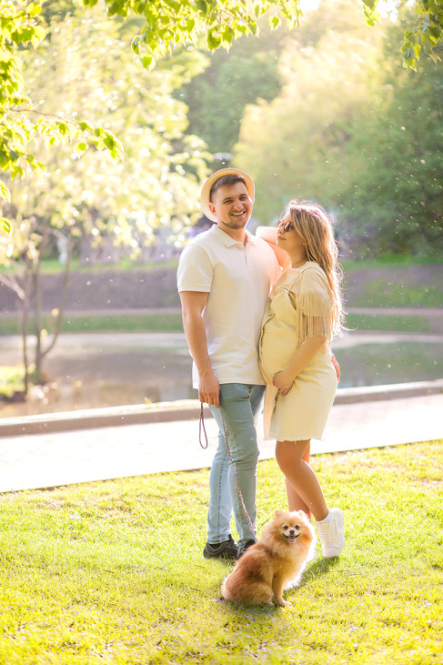 фотосессия беременных с мужем на природе летом