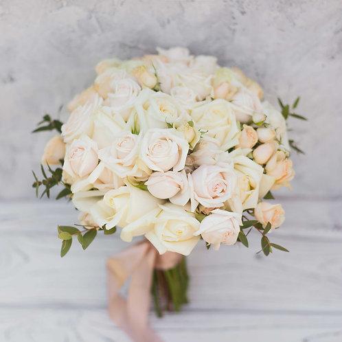 Бежевый свадебный букет в пудровых оттенках