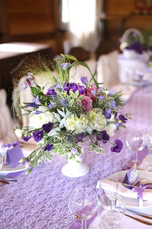 Композиция на столы гостей в фиолетовой гамме