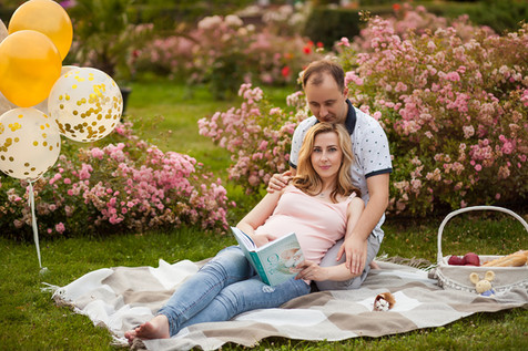 стильная фотосессия беременных с мужем