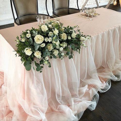 Флористическая композиция на стол молодых