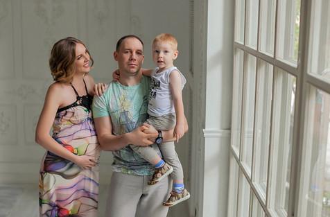 фотосессия беременных с ребенком