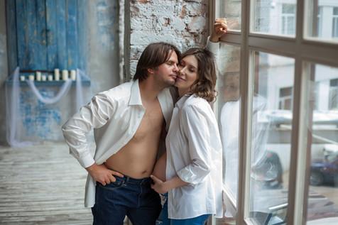 красивые фотосессии беременных с мужем