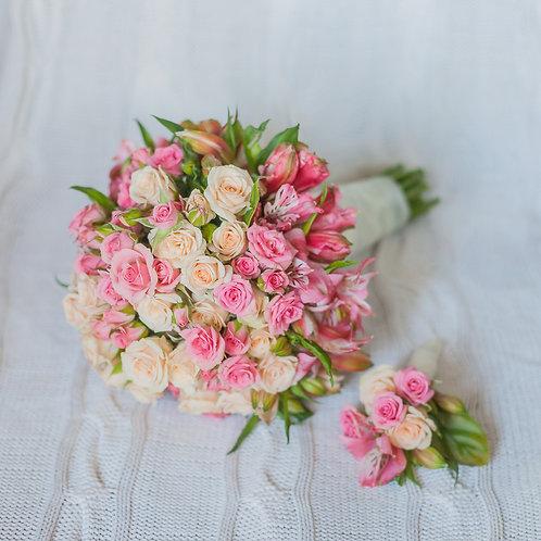Свадебный букет из маленьких кустовых роз